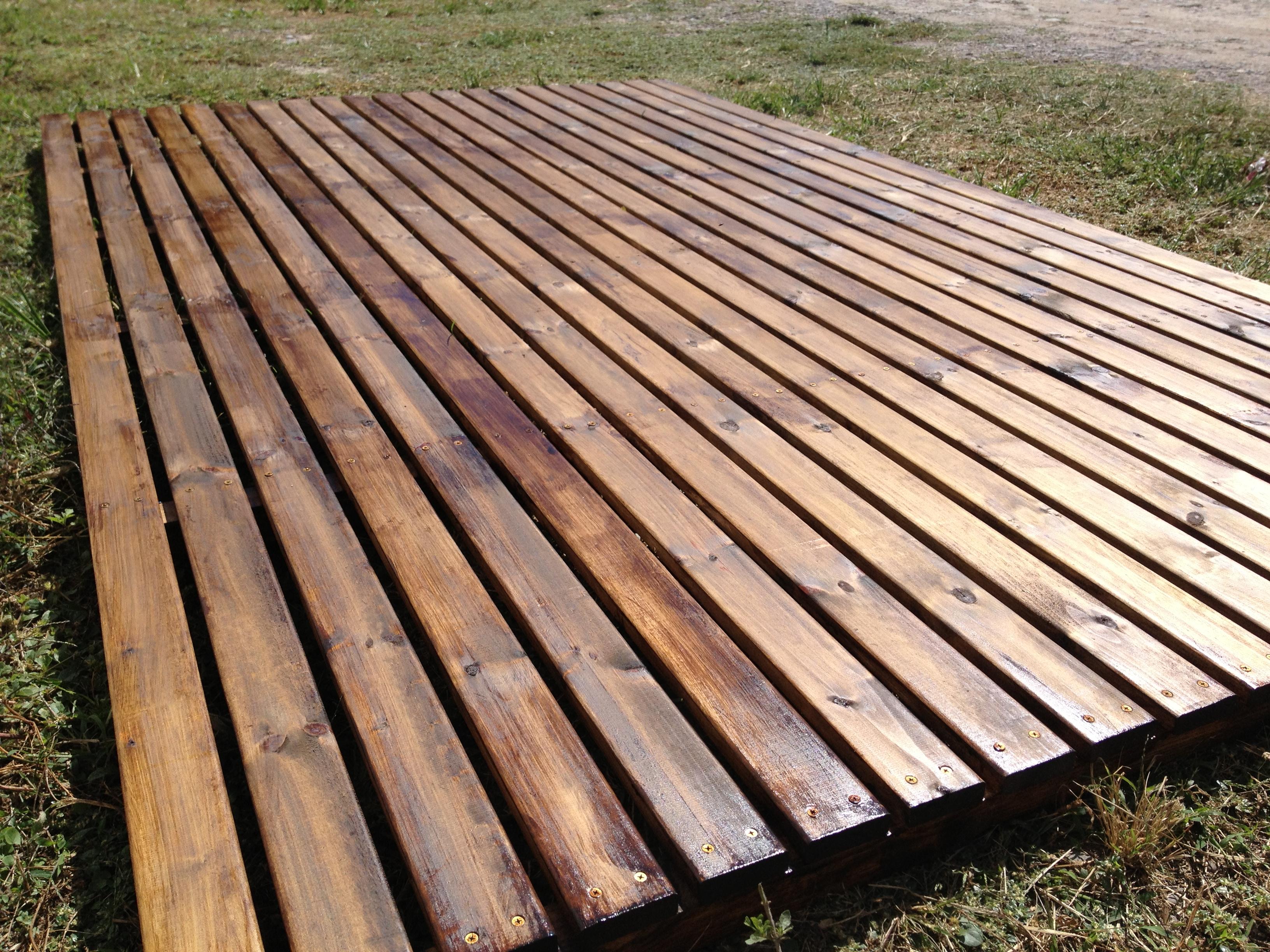 Producto madera impregnada para deck corralon maderas for Tablas de madera para exterior